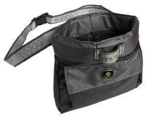 EQ Dog Click and Treat Bag Leckerlibeutel grau offen